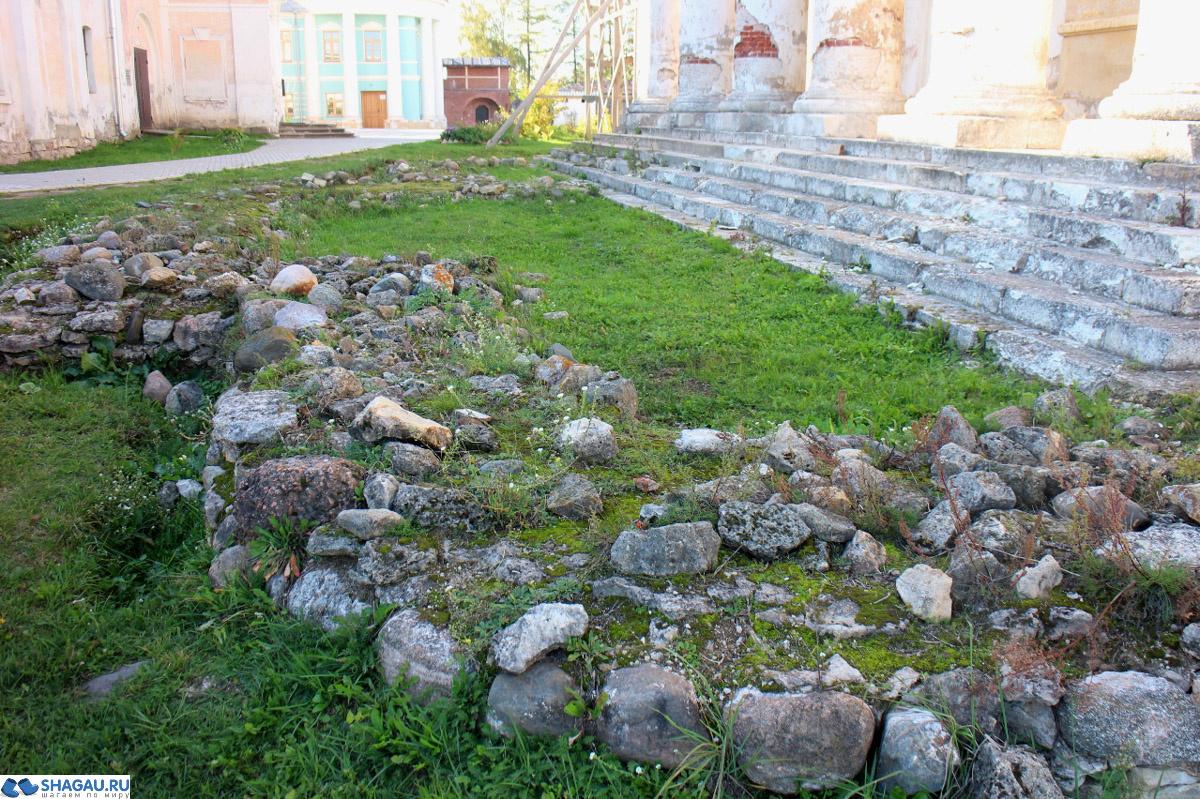 остатки фундамента собора XI века