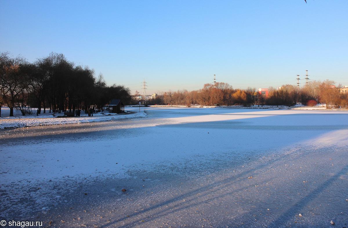 Парк около усадьбы Алтуфьево