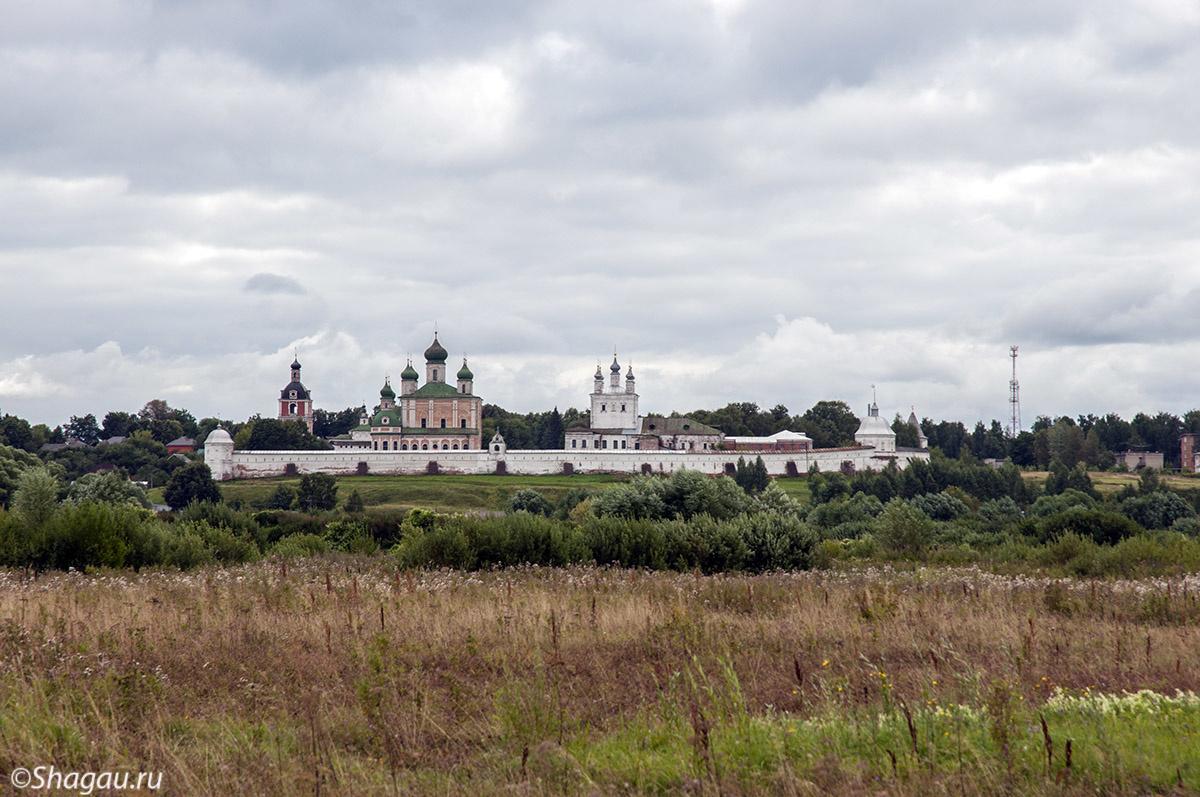Вид на Горицкий монастырь