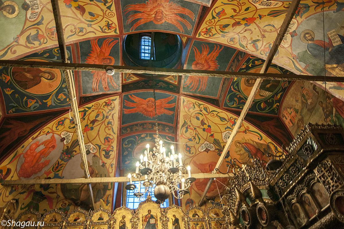 Потолок в церкви Василия Блаженного