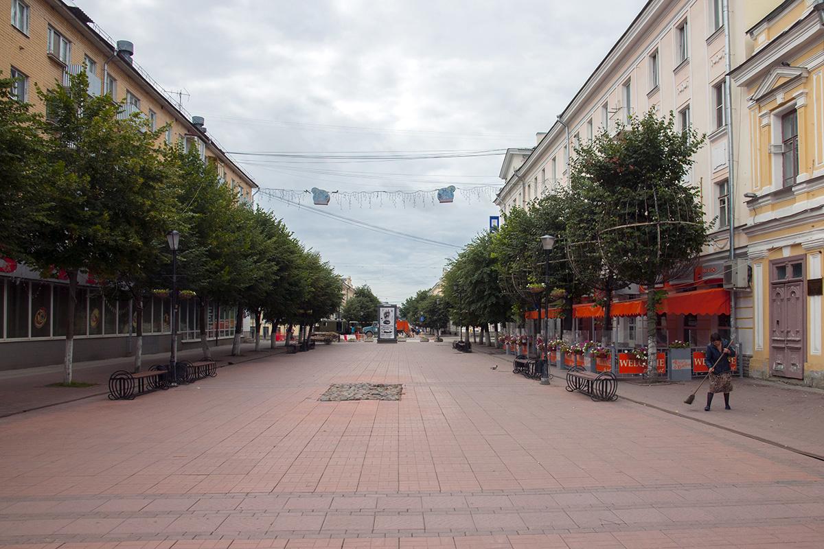 Трехсвятская улица