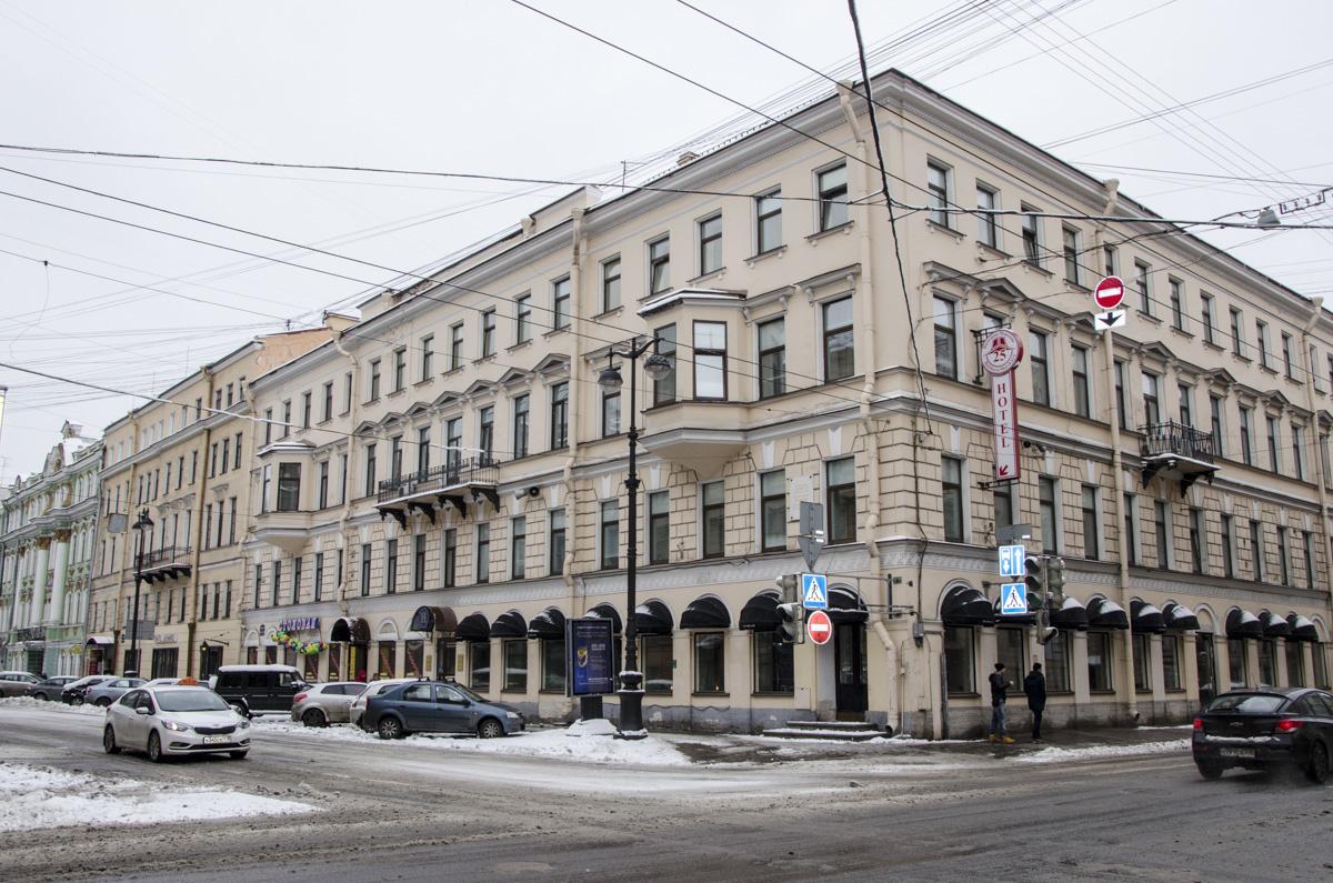 Здание отеля Комфорт на Большой Морской улице