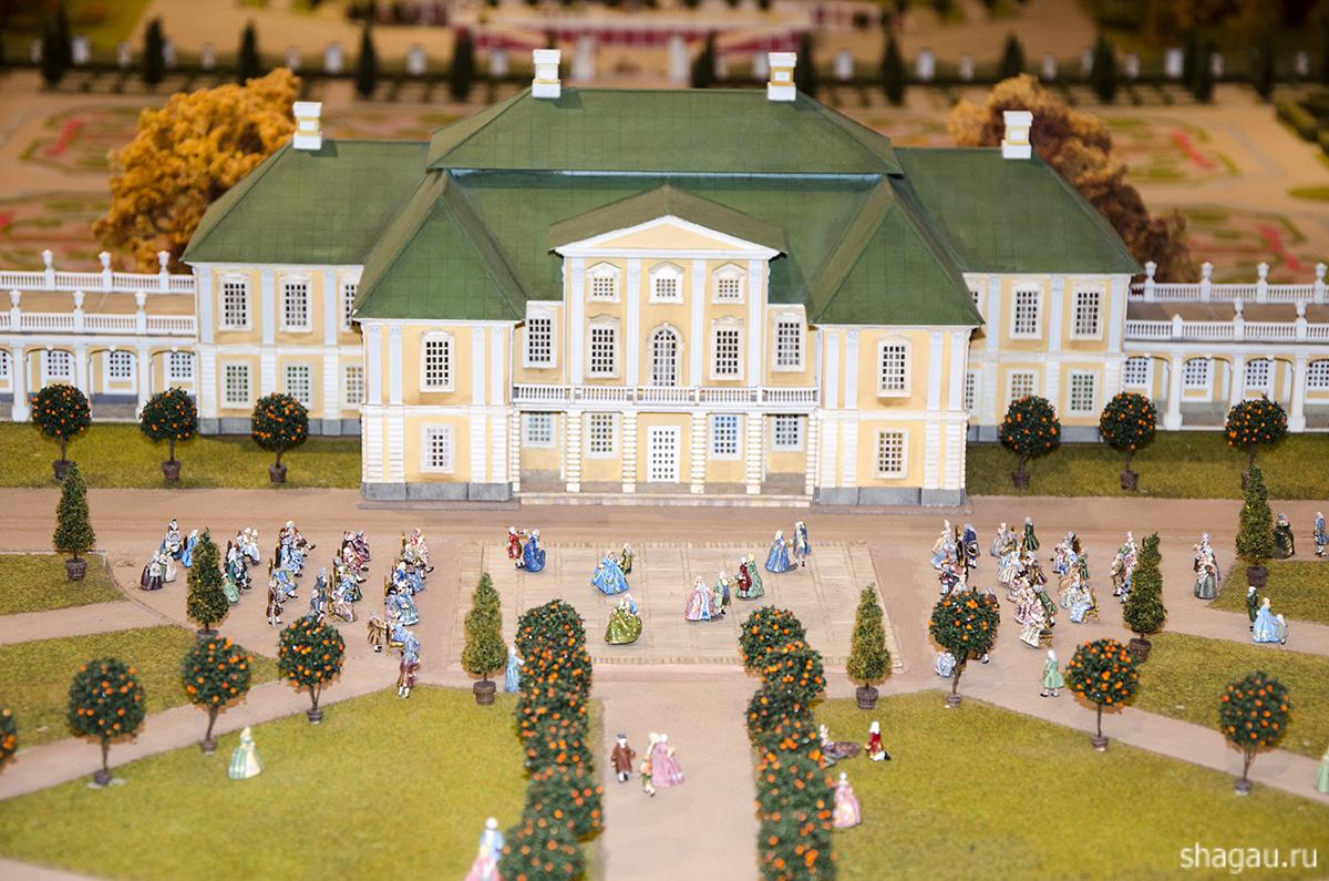 Дворец на макете Петровская акватория