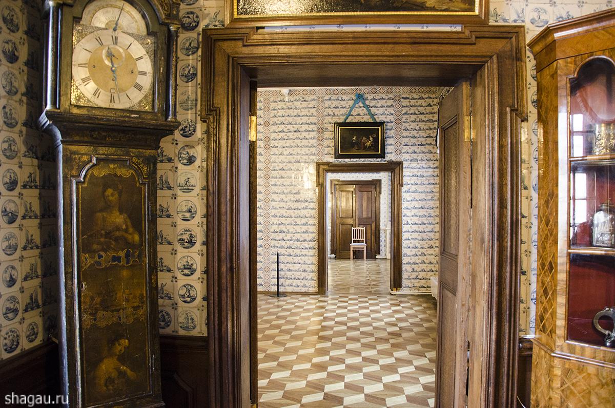 Анфилада залов Меньшиковского дворца