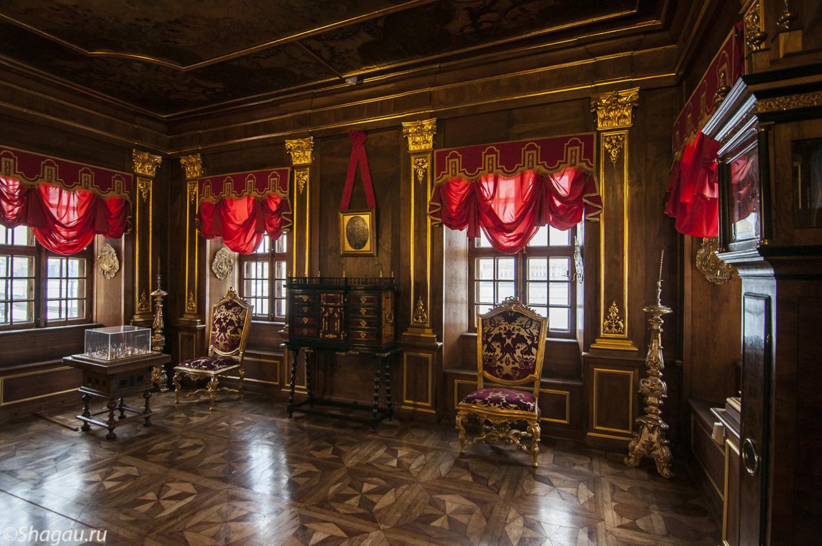 Ореховый кабинет