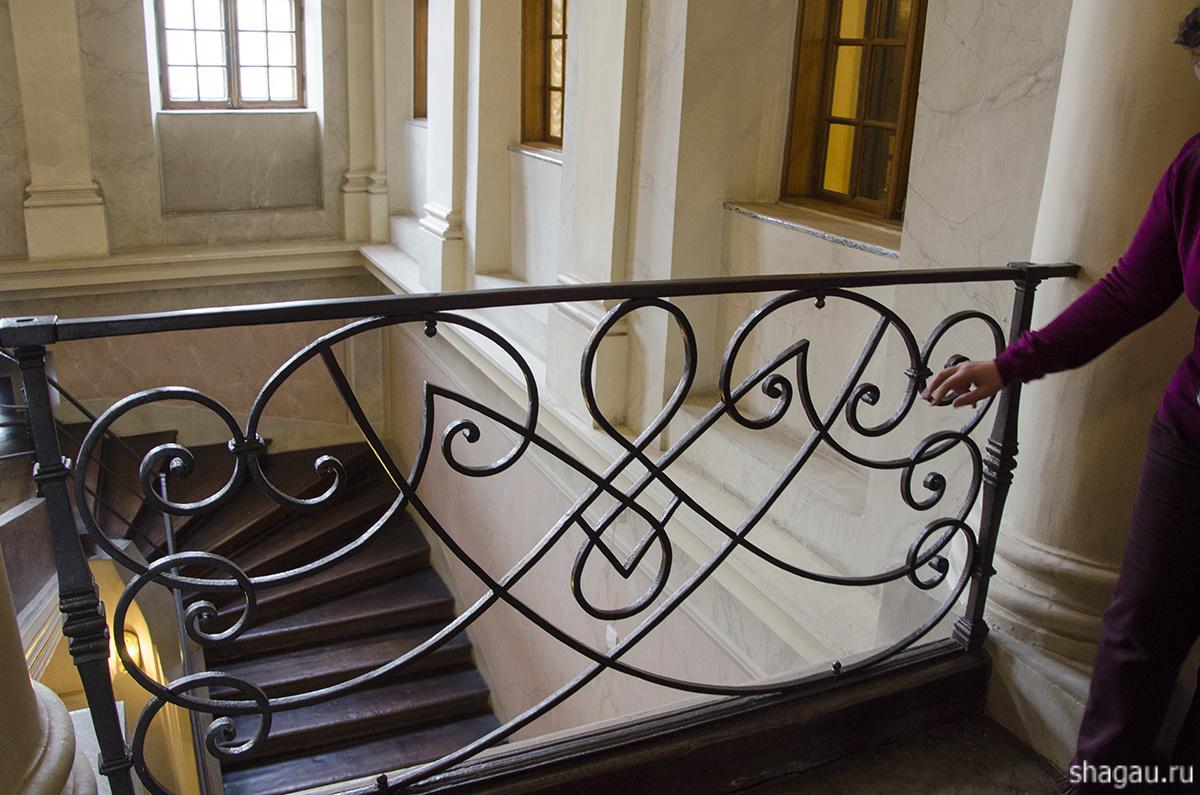 Залы Меньшиковского дворца