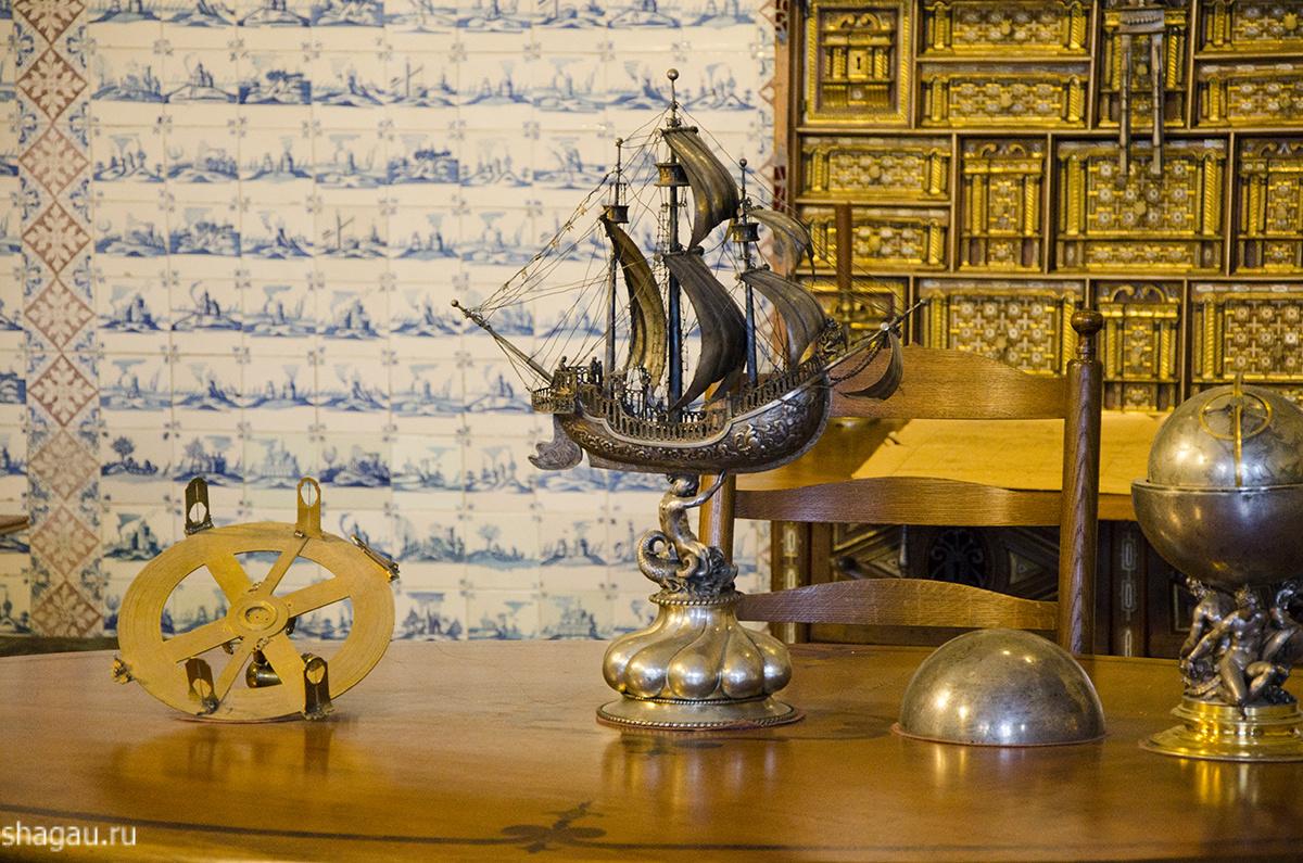 Кабинет Меньшиковского дворца