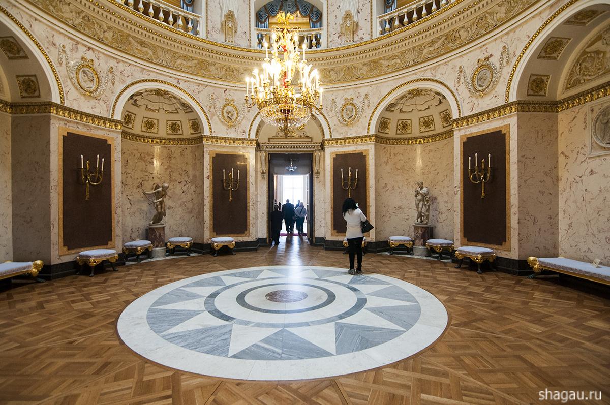 Итальянский зал Павловского дворца