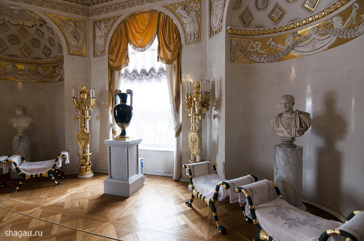Зал войны в Павловском замке