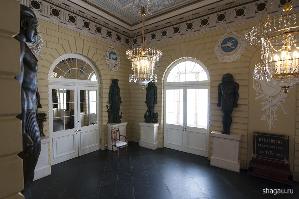 Египетский вестибюль Павловского дворца