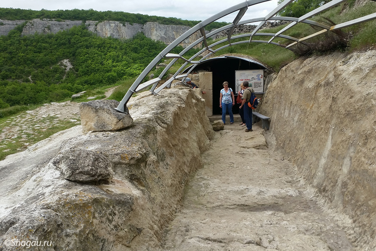 Вход в колодец Тик Кую