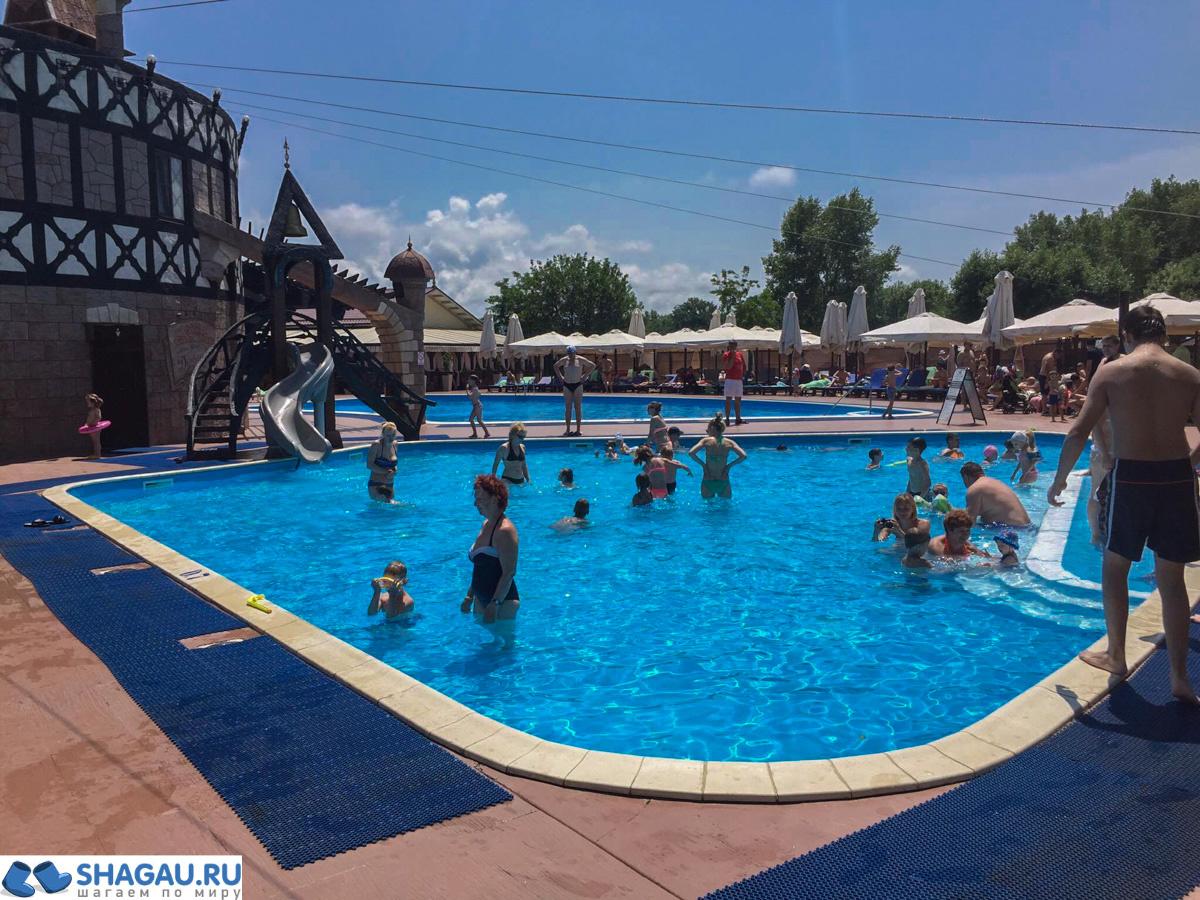 Отель Довиль в Анапе
