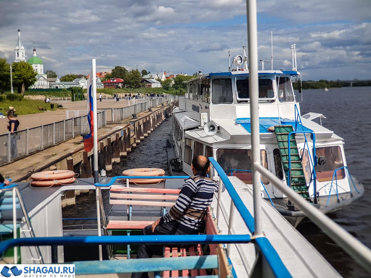 Прогулка на кораблике по Волге в Твери