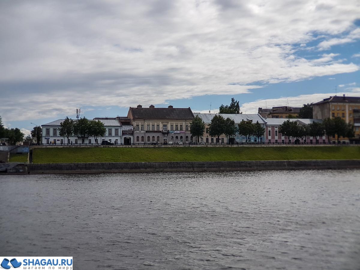 Романтика в Твери: прогулка на кораблике по Волге