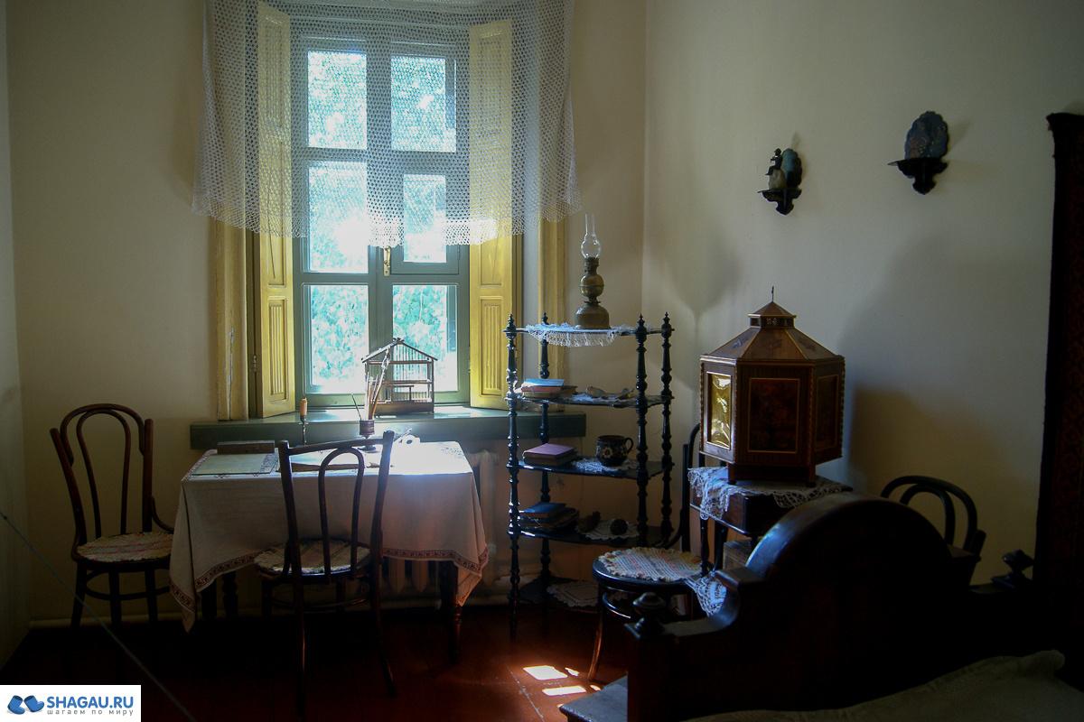 пневматическими домик чехова в таганроге фото изнутри наличии