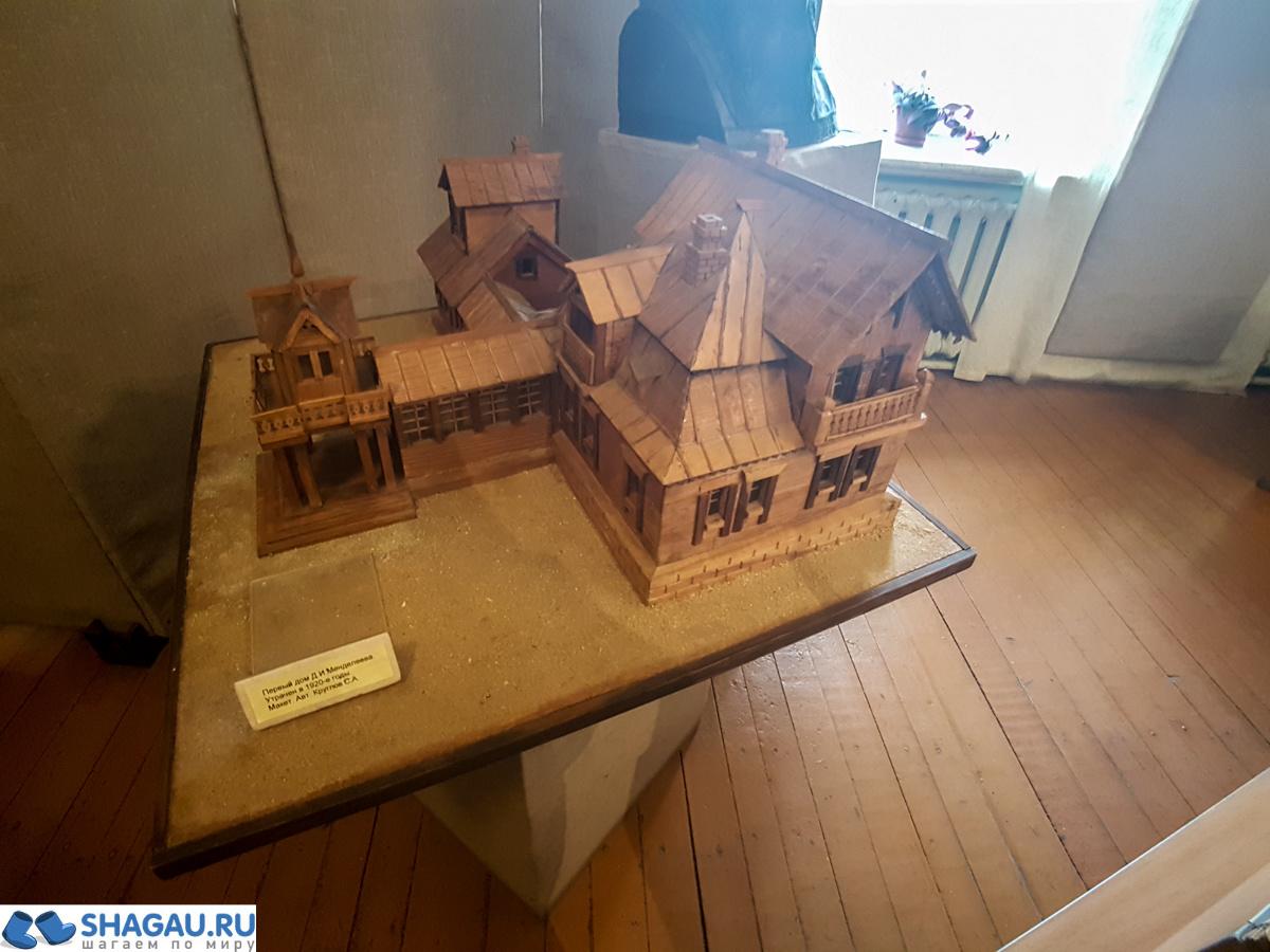 Макет усадебного дома в Боблово