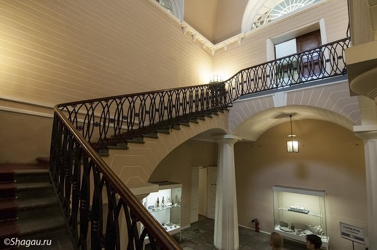 Парадная лестница Строгановского дворца