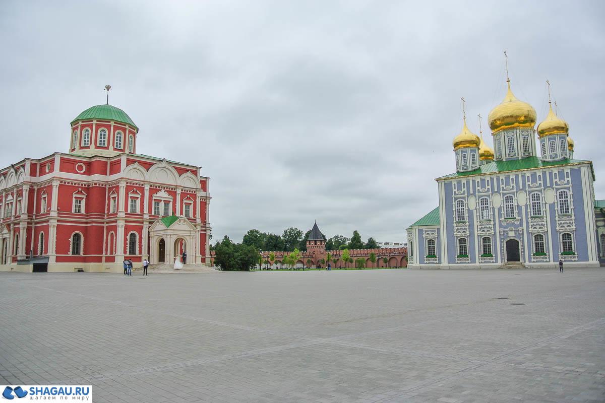 Успенский собор и Музей Оружия