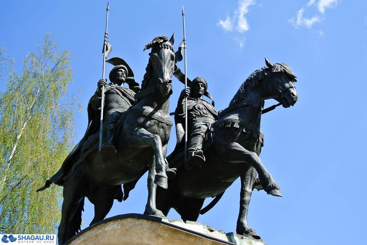 памятник Святым князьям Борису и Глебу