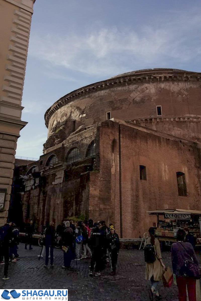 Древний храм - основа Пантеона